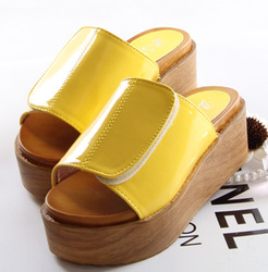 hot-sale-sandals-2013-platform-clogs-slippers-velcro-women-s-japanned-leather-shoes-slippers-Women-flip.jpg_250x250